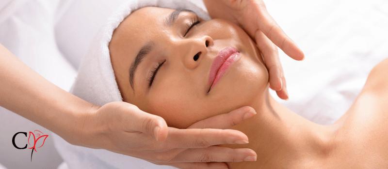 Tratamento dermatológico para acne e cicatrizes